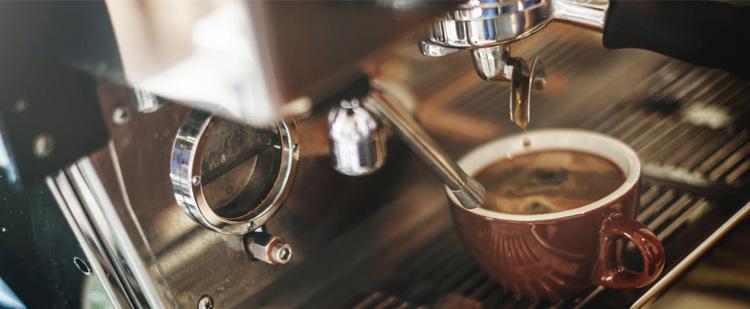 Így tisztítsd meg a kávéfőzőt és a vízforralót!